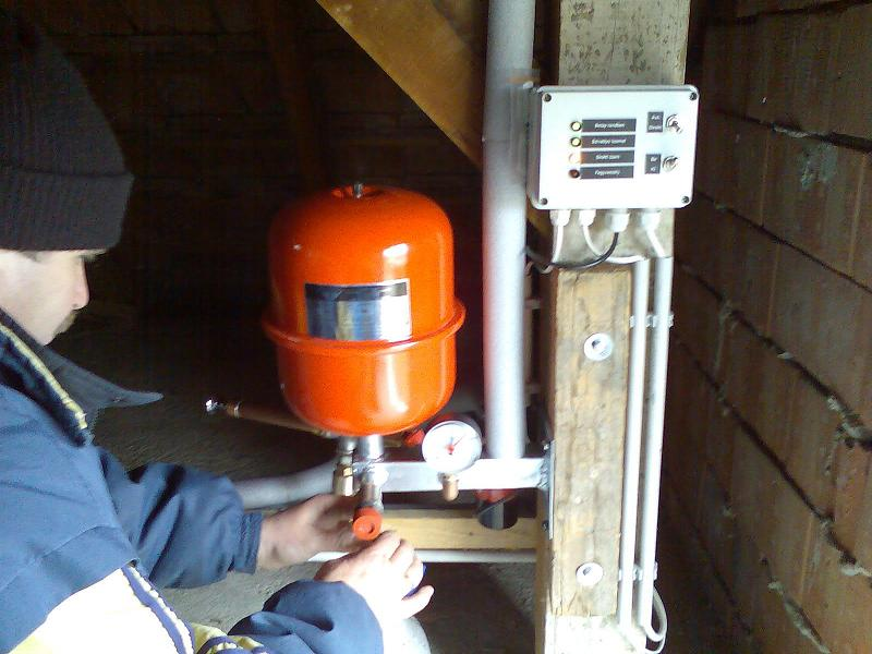 Napkollektor állomás analóg szabályzóval