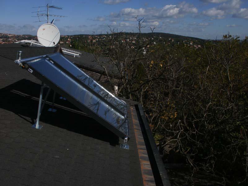 Napkollektor a majdnem lapos tetőn