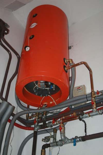 A rendszer több bojlert is tartalmaz